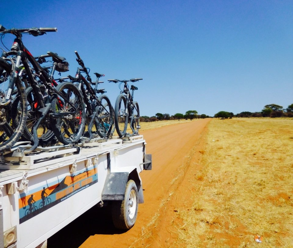 Bike-Anhänger im Outback Namibia