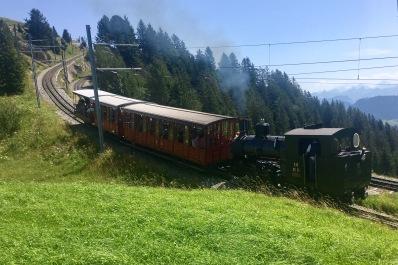 Rigi-Bahn mit Dampflok