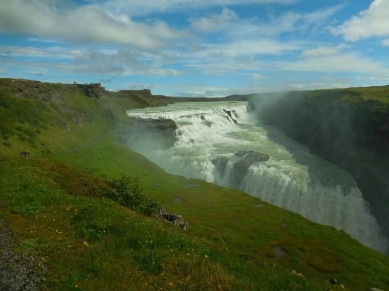Blick auf den Gulfoss-Wasserfall am Golden Circle in Island