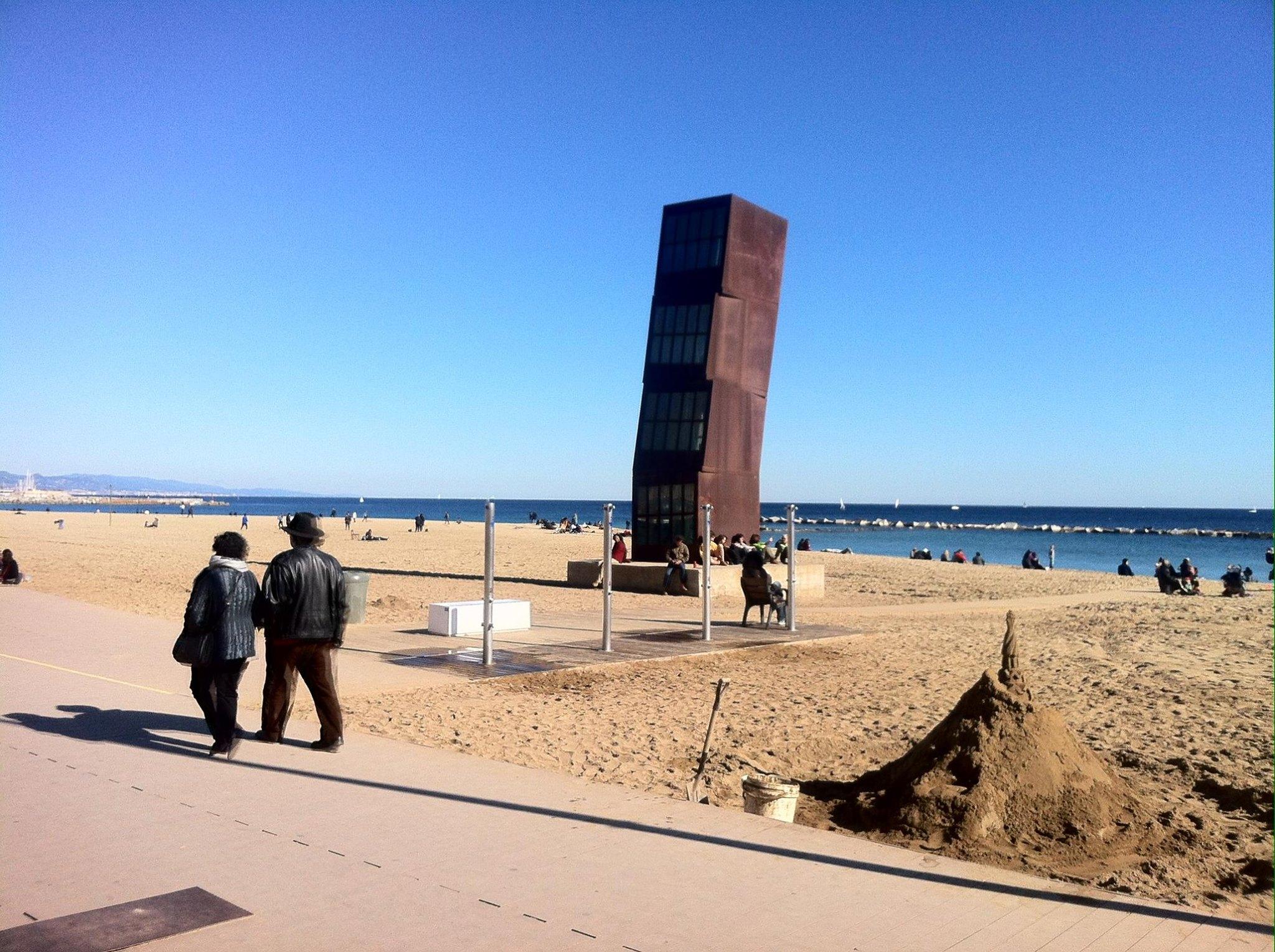 Skulptur (rostiger Turm) in Barcelonetta, Barcelona