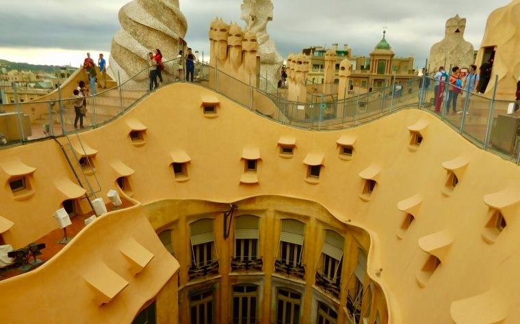 Schwungvolle Dachterrasse der La Pedrera, Bacelona