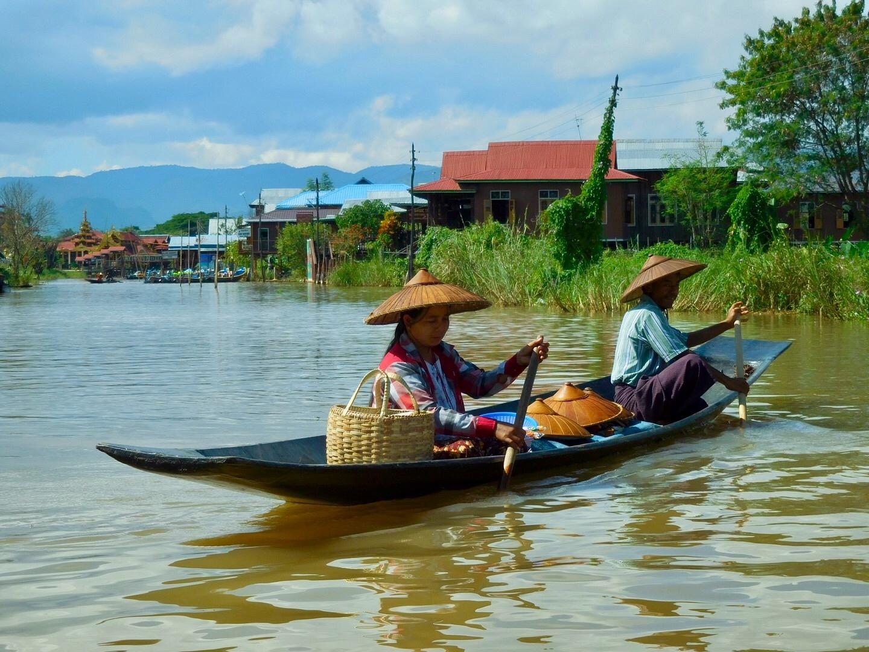 Schwimmender Souvenir-Shop auf dem Inle See, Myanmar/Burma