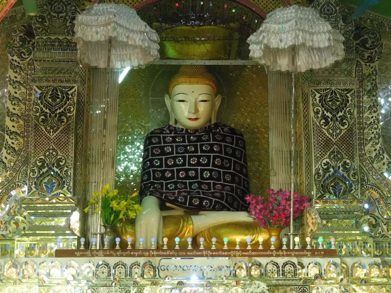 Buddha-Figur auf dem Mandalay Hill, Myanmar/Burma